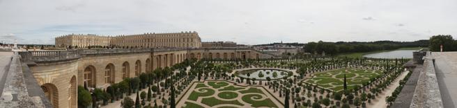 panoramique des jardins de l'orangerie du chateau de versailles - photo Charles GUY