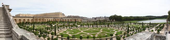 Photo panoramique des jardins de l'orangerie du Chateau de Versailles - Photo Charles GUY